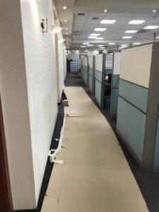 שיפוץ מקצועי למשרדים כולל חללים של מוקדי שירות ועבודה בשעות הלילה. צילום: קובי שיפוצים