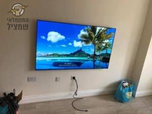 התקנת פלזמה LCD על קיר בחדר ילדים