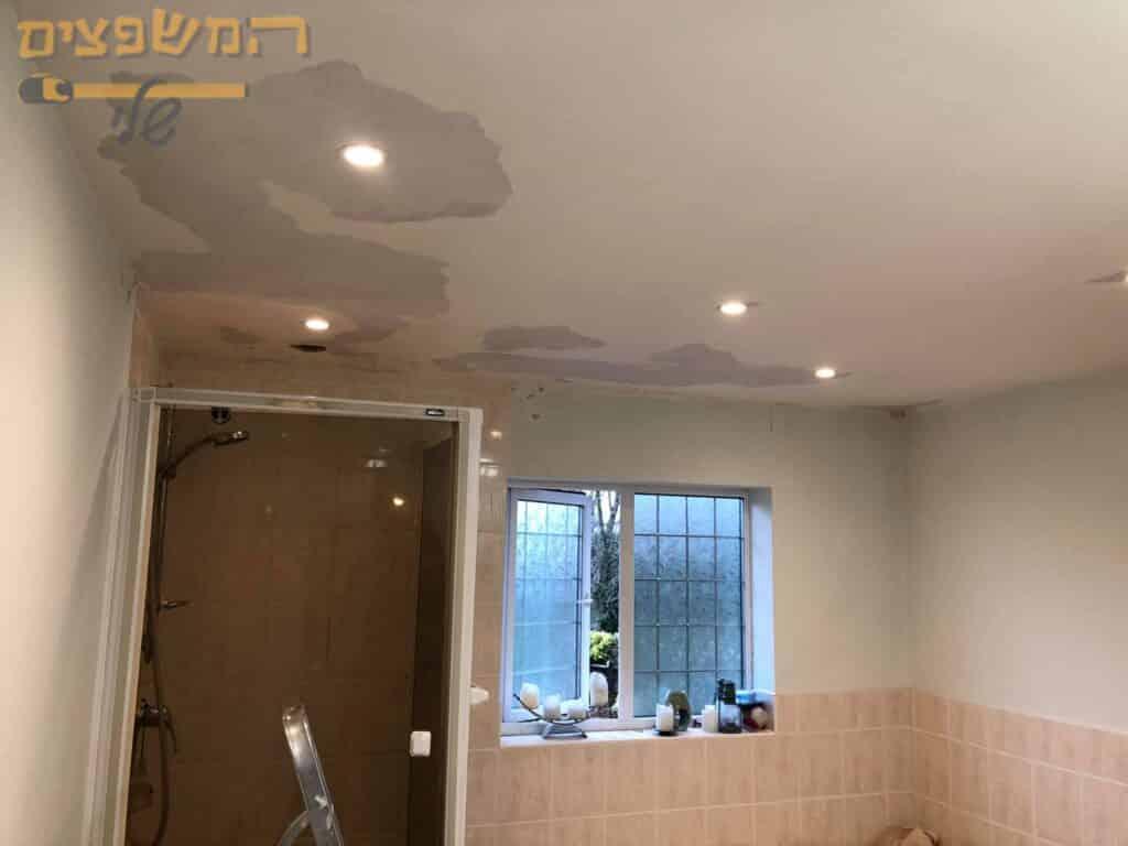 תיקוני צבע בדירת 3 חדרים כולל חדר מקלחת עם רטיבות בתקרה